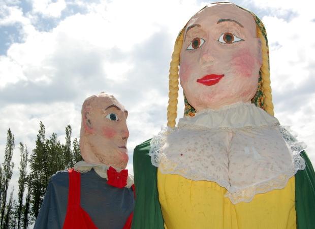 Belgian giant puppets Gust & Jeannette