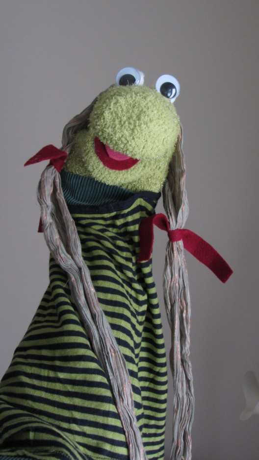 hand mouth puppet muppet puppetry